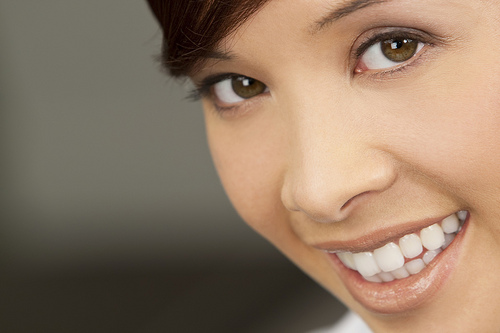 What are the benefits of visiting a dentist regularly?